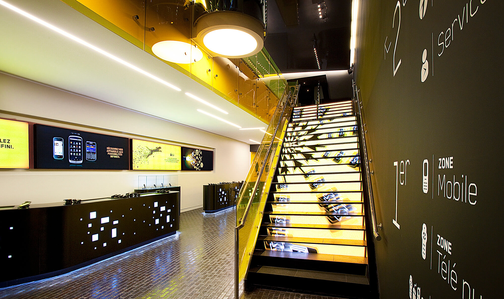 Flagship Staircase Videotron Moment Factory